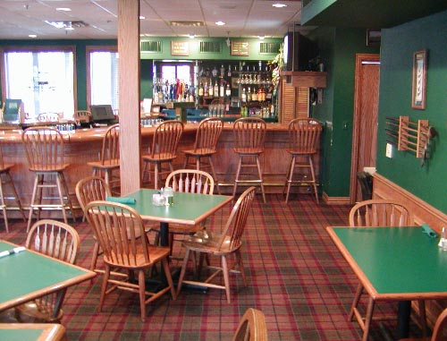 Interior shot of the Bar & Grill at Autumn Ridge
